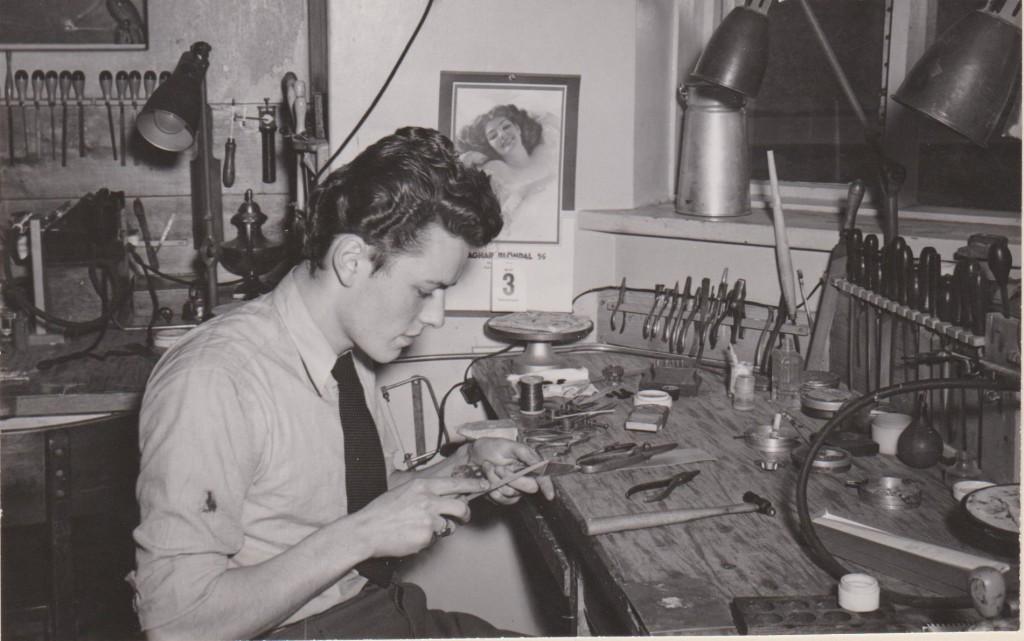 Vigfús Ingvarsson, Grenimelur 28, 5. maí 1948